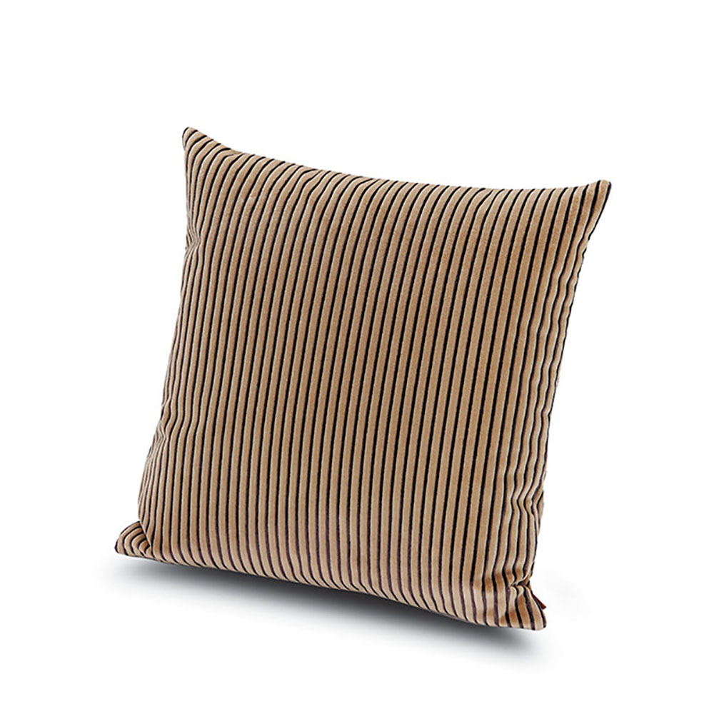 top3 by design missoni home missoni home rafah cushion 40x40 48. Black Bedroom Furniture Sets. Home Design Ideas